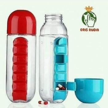 Botella con dispensador de remedios